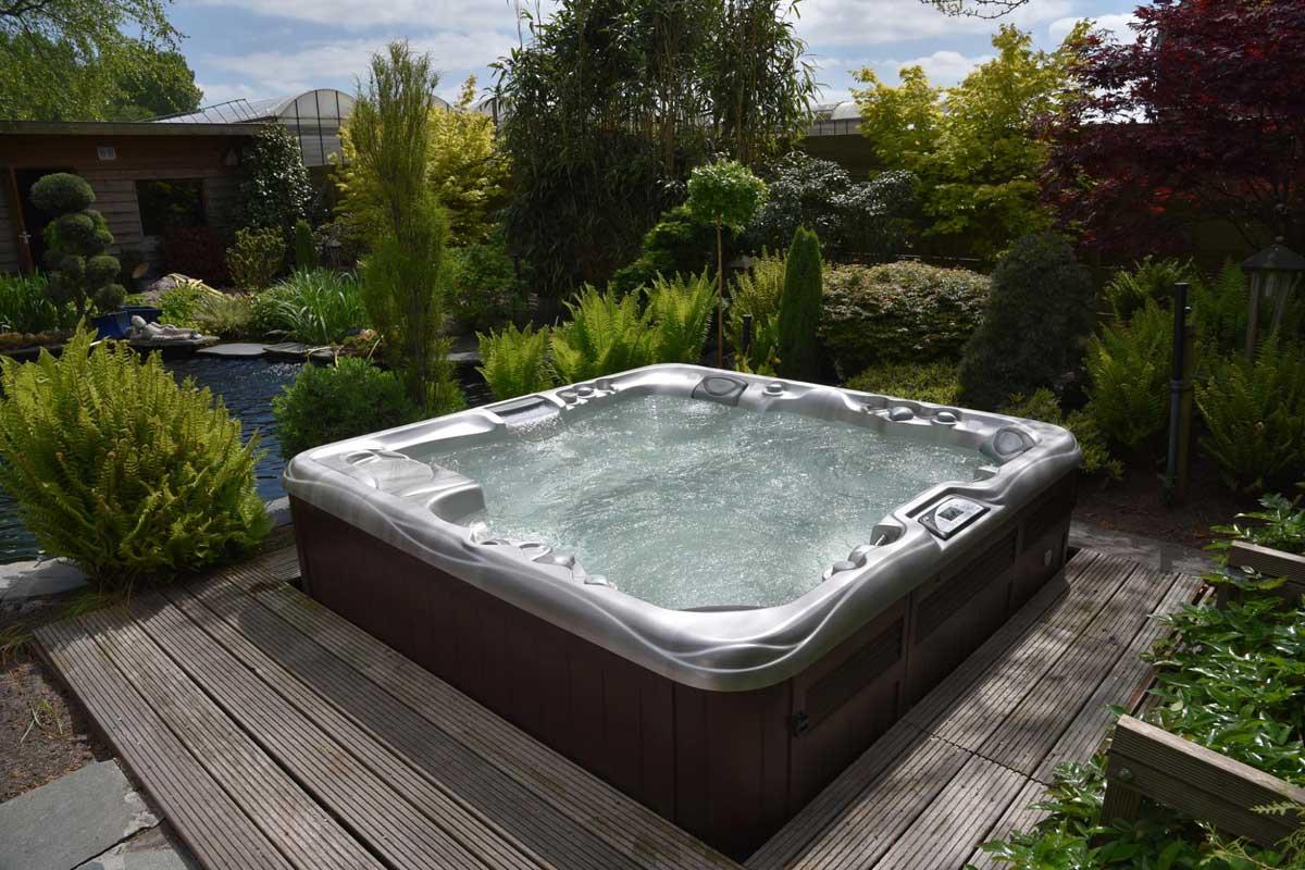 Premout Sundance Spas masāžas vanna Premium plus sērija 880